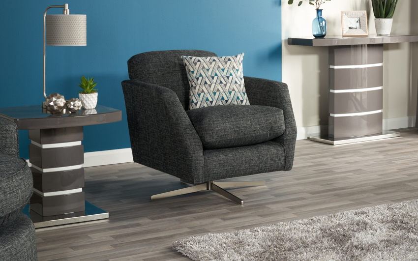 Quinn Plain Swivel Chair